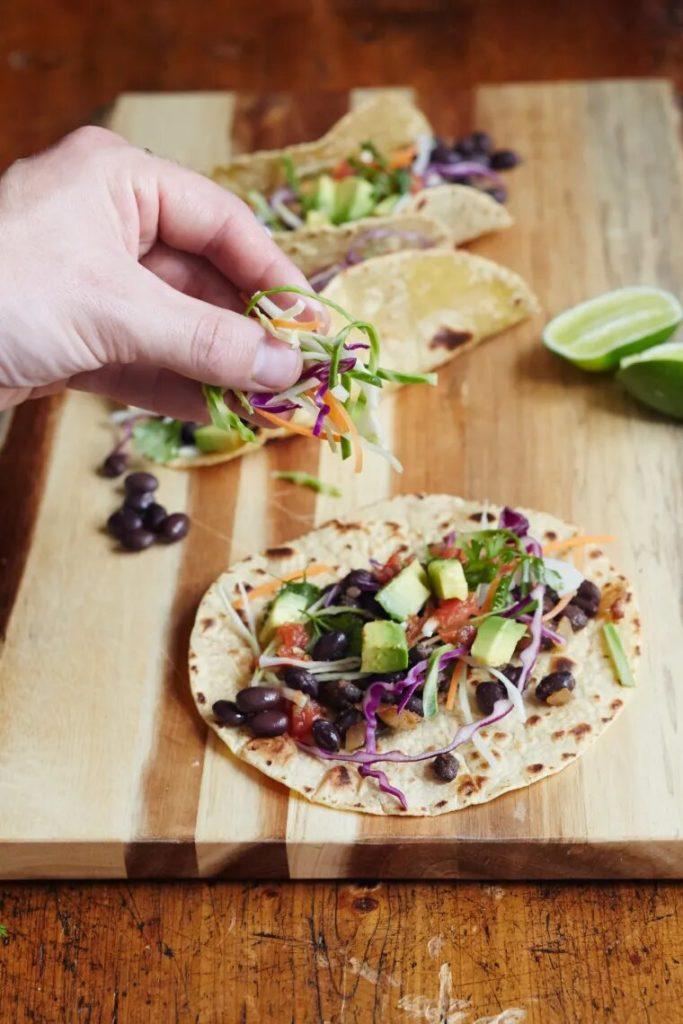 Tacos aux haricots noirs en moins de 10 minutes