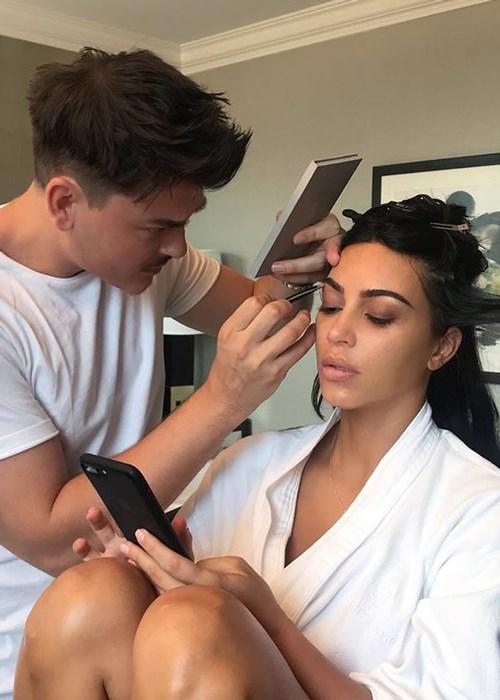Vous pouvez maintenant obtenir un relooking de 400 000 USD de la maquilleuse de Kim Kardashian.