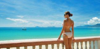 Une femme en bikini interpellée aux Maldives